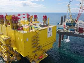 Now installed, the converter sits 66 feet above the waves. (Photo: TenneT)