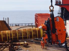 CAPE Holland's Vibro Lifting Tool deployed its first commercial application. (Photo: CAPE Holland)