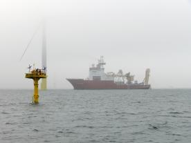 In 2013, the use of a laser beam emitting from a buoy to take measurements was tested for the first time. The picture shows a floating LiDAR system in the Firth of Forth, Scotland. (Photo: FLiDAR)